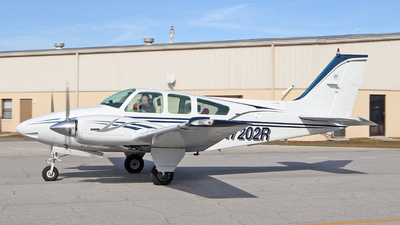 A picture of N7202R - Beech 95B55 Baron - [TC1819] - © James Dingell