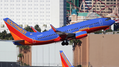 N220WN - Boeing 737-7H4 - Southwest Airlines