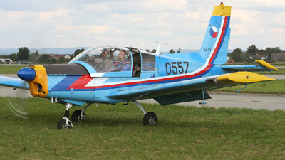 0557 - Zlin 142 - Czech Republic - Air Force