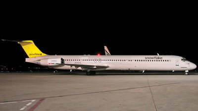 LN-ROS - McDonnell Douglas MD-82 - Snowflake (Scandinavian Airlines)