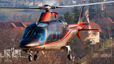 F-GSNS - Agusta-Westland AW-109SP - Skycam Hélicoptères