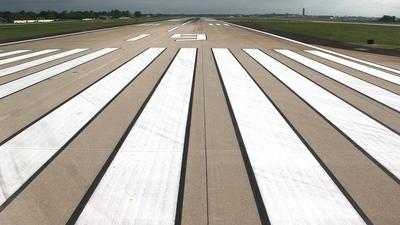 KMSY - Airport - Runway