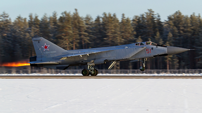 51 - Mikoyan-Gurevich MiG-31 Foxhound - Russia - Air Force