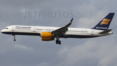 TF-FIZ - Boeing 757-256 - Icelandair