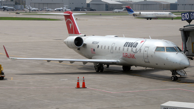 N833AY - Bombardier CRJ-200LR - Northwest Airlink (Mesaba Airlines)