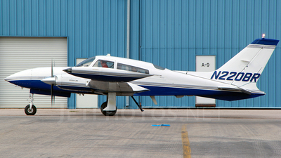 A picture of N220BR - Cessna 310R - [310R0973] - © RyRob