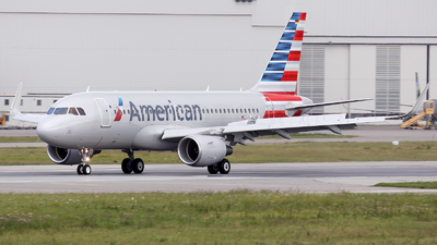 D-AVXF - Airbus A319-112 - American Airlines