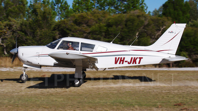VH-JKT - Piper PA-28R-200 Cherokee Arrow II - Private