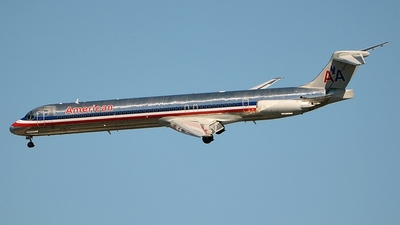 N76200 - McDonnell Douglas MD-83 - American Airlines