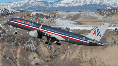 N621AM - Boeing 757-223 - American Airlines