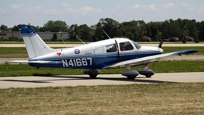 A picture of N41667 - Piper PA28151 - [287415116] - © Bruce Leibowitz