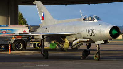 N6285L - Mikoyan-Gurevich MiG-21 Fishbed - Private