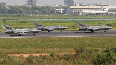 1424 - Chengdu F-7BG - Bangladesh - Air Force