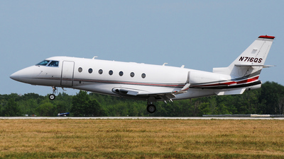 A picture of N716QS - Gulfstream G200 Galaxy - NetJets - © DJ Reed - OPShots Photo Team
