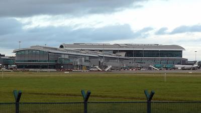 EIDW - Airport - Terminal