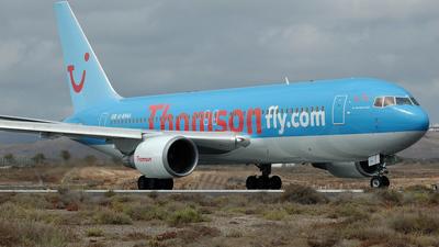 G-BYAA - Boeing 767-204(ER) - Thomsonfly