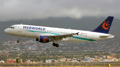 EC-KYZ - Airbus A320-214 - Iberworld Airlines