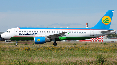 UK-32019 - Airbus A320-214 - Uzbekistan Airways