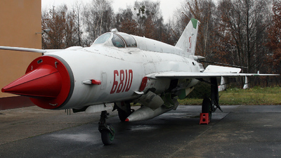 6810 - Mikoyan-Gurevich MiG-21MF Fishbed J - Poland - Air Force