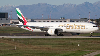 A6-EGH - Boeing 777-31HER - Emirates