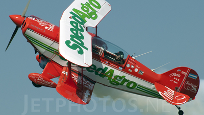 LV-RBW - Pitts Special S-2B - Private