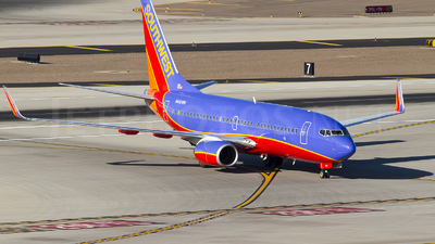N490WN - Boeing 737-7H4 - Southwest Airlines