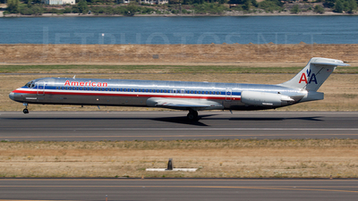 N589AA - McDonnell Douglas MD-83 - American Airlines