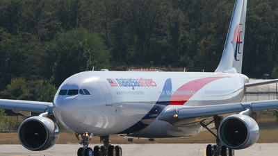 F-WWTZ - Airbus A330-323 - Malaysia Airlines