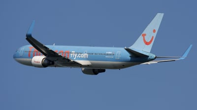 G-OBYD - Boeing 767-304(ER) - Thomson Airways