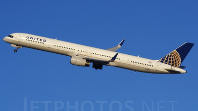 N57857 - Boeing 757-324 - United Airlines