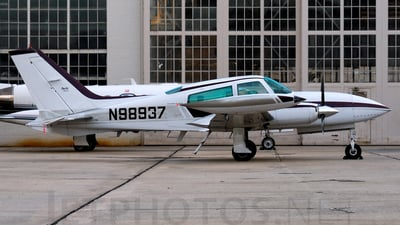 A picture of N98937 - Cessna 310R - [310R0655] - © Agustin Anaya
