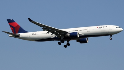 N801NW - Airbus A330-323 - Delta Air Lines