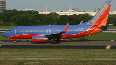 N213WN - Boeing 737-7H4 - Southwest Airlines