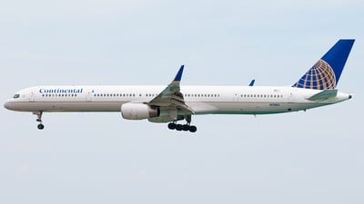 N75851 - Boeing 757-324 - Continental Airlines