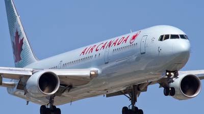 C-GHPD - Boeing 767-3Y0(ER) - Air Canada