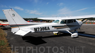 A picture of N739EA - Cessna 172N Skyhawk - [17270474] - © Agustin Anaya