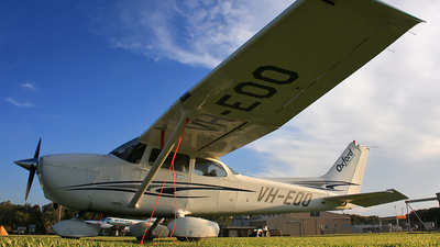 A picture of VHEOO - Cessna 172S Skyhawk SP - [172S10040] - © Lachlan Brendan