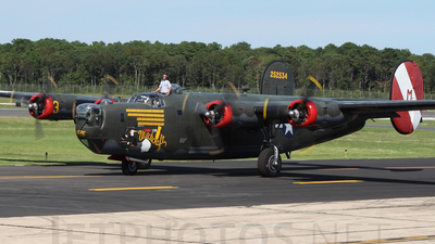 NX224J - Consolidated B-24J Liberator - Private