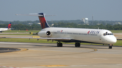 N909DL - McDonnell Douglas MD-88 - Delta Air Lines