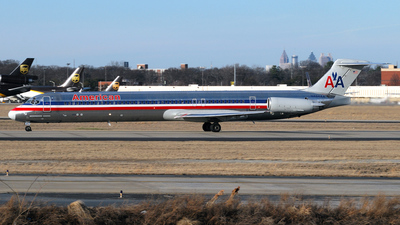 N484AA - McDonnell Douglas MD-82 - American Airlines