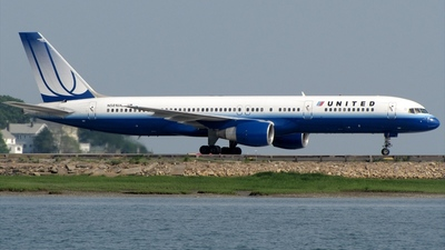 N581UA - Boeing 757-222 - United Airlines