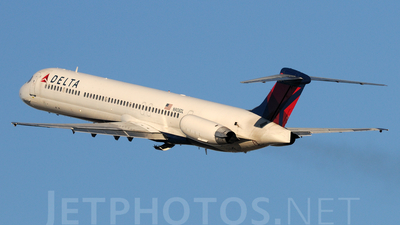 N908DL - McDonnell Douglas MD-88 - Delta Air Lines