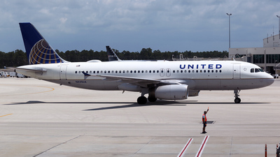 N431UA - Airbus A320-232 - United Airlines