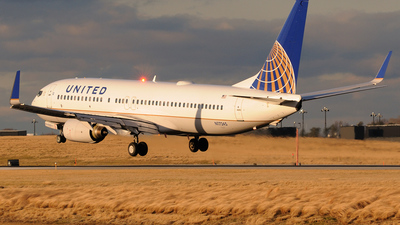 N17245 - Boeing 737-824 - United Airlines