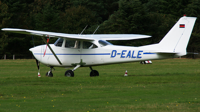 A picture of DEALE - Cessna F172F - [F1720178] - © Marius Hoepner