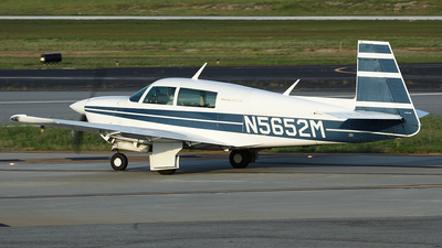 A picture of N5652M - Mooney M20J - [241596] - © Bruce Leibowitz