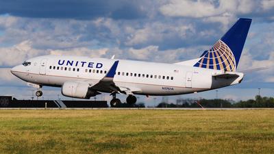 N17614 - Boeing 737-524 - United Airlines