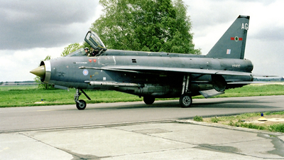 XS932 - English Electric Lightning F.6 - United Kingdom - Royal Air Force (RAF)