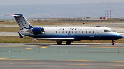 N916SW - Bombardier CRJ-200ER - United Express (SkyWest Airlines)