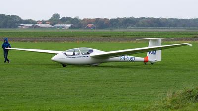 A picture of PH1097 - Alexander Schleicher ASK21 - [21648] - © Dutch